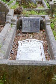 Charles Hills' grave