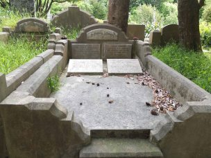 Percy James' grave - before photo