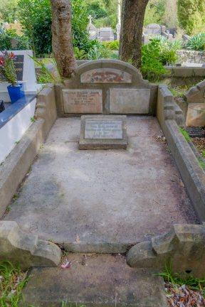 Walter Harris's grave