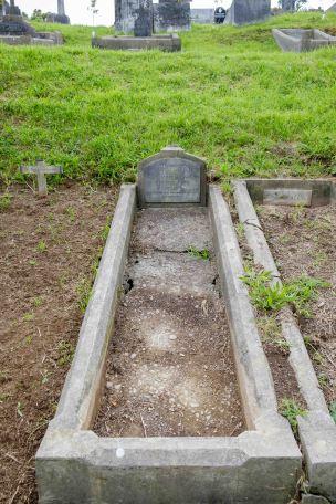 John Logan's grave