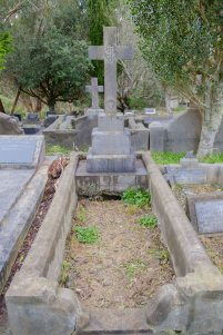Mary Loftus's grave
