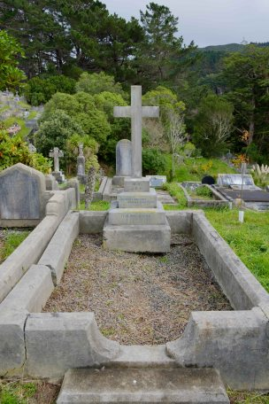 Alfred Hindmarsh's grave